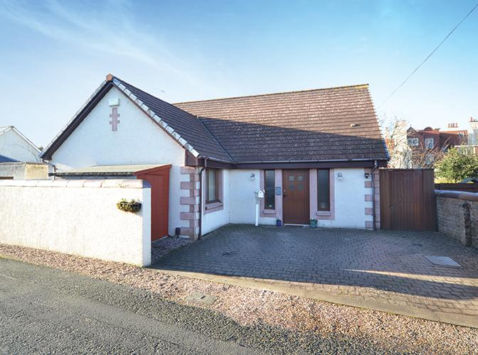 3 Bedrooms Detached Villa House for sale in 20 South Beach Lane, Troon, KA10 6ET