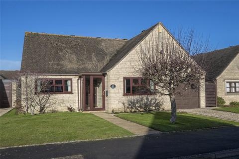2 bedroom detached bungalow for sale - Willow Road, Willersey, WR12