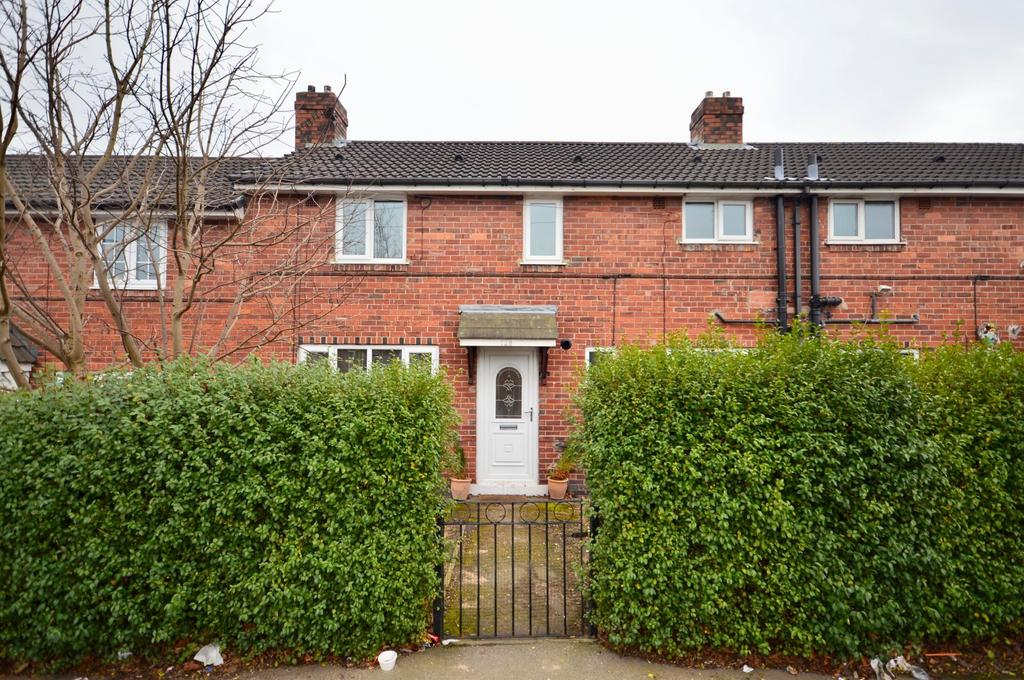 3 Bedrooms Terraced House for sale in Middleton Park Grove, Leeds