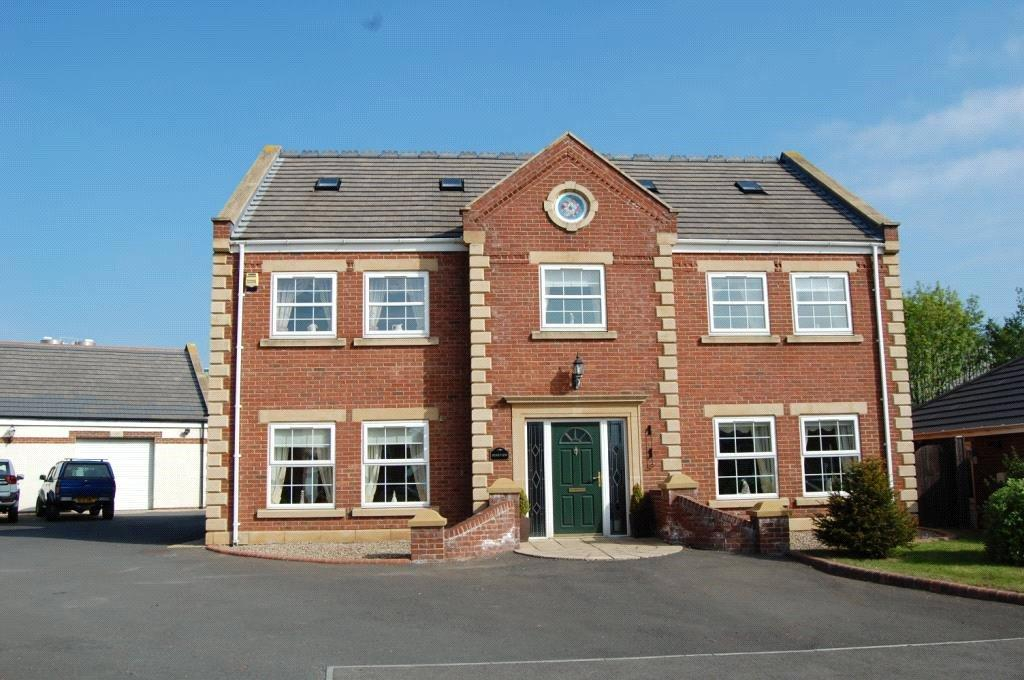 6 Bedrooms Detached House for sale in Field House Farm, Seaham, Co.Durham, SR7