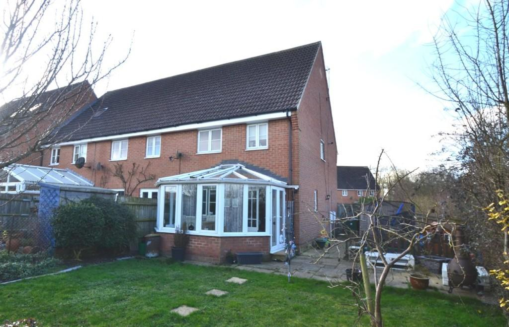 3 Bedrooms End Of Terrace House for sale in Embleton Way, Buckingham