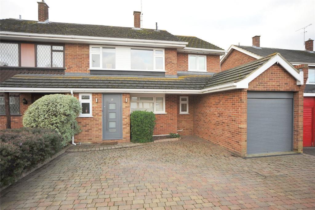 4 Bedrooms Semi Detached House for sale in The Furlongs, Ingatestone, Essex, CM4