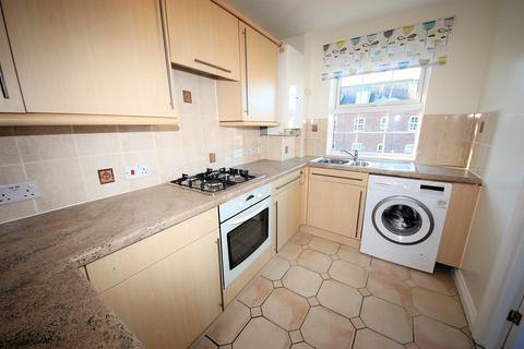 2 bedroom flat to rent - Dragoon Way, Christchurch,