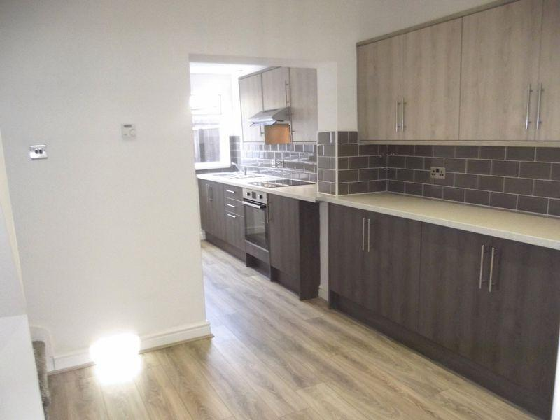2 Bedrooms Terraced House for sale in Wharncliffe Street, Hull