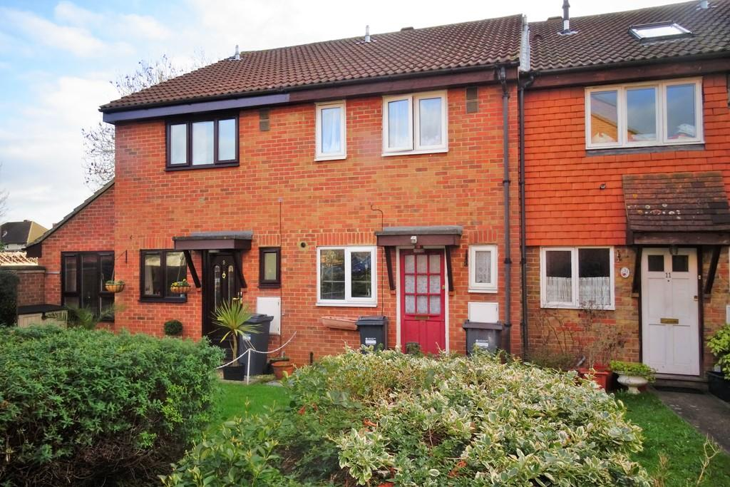 2 Bedrooms Terraced House for sale in Natalie Close, Bedfont, TW14