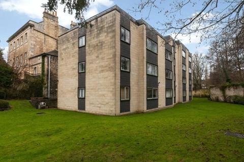 2 bedroom flat to rent - Lamont House, Lambridge
