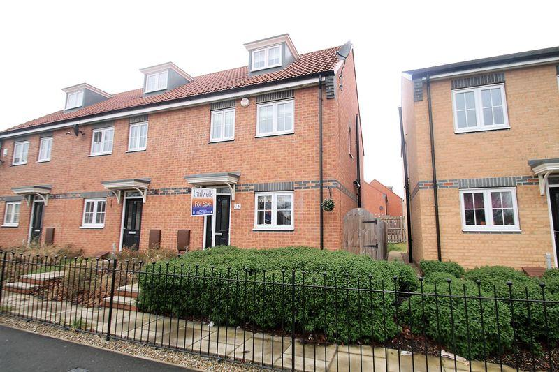 3 Bedrooms Terraced House for sale in Park View, Billingham