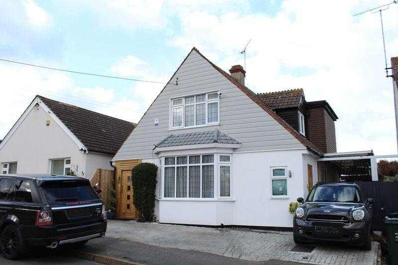 3 Bedrooms Detached House for sale in Mill Road, Hawley