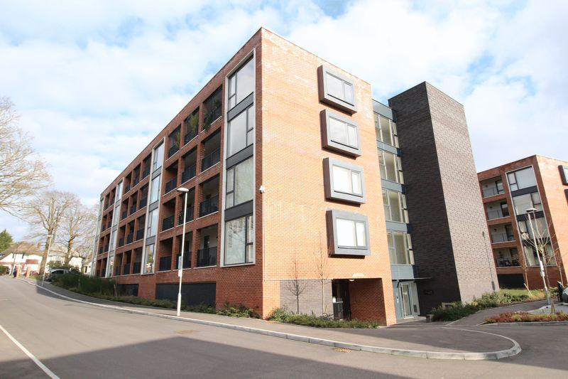 1 Bedroom Apartment Flat for sale in Ebony Crescent, Cockfosters