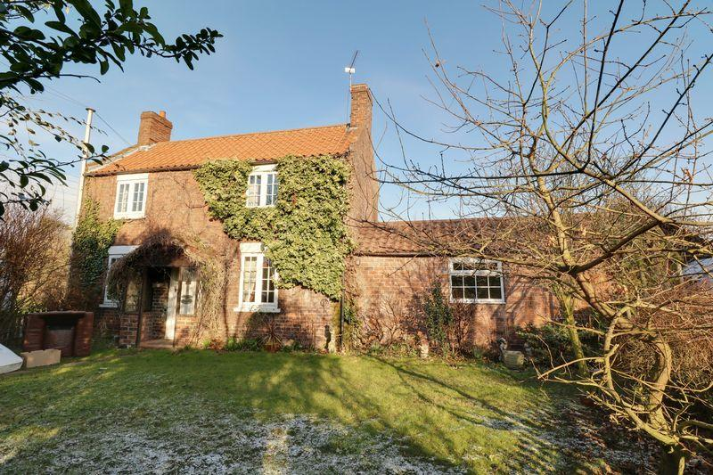 4 Bedrooms Detached House for sale in North End, Goxhill