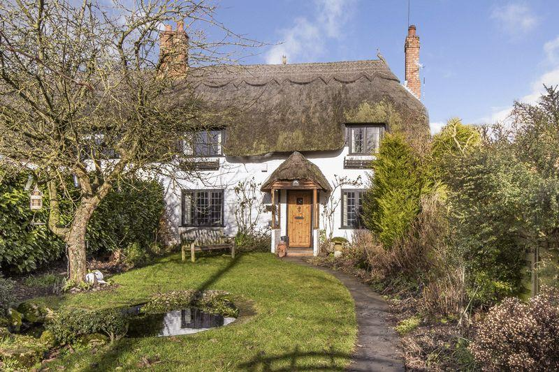 4 Bedrooms Cottage House for sale in Church Street, Hampton Lucy, Warwickshire