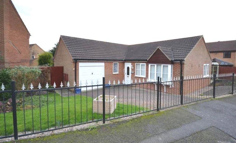 3 Bedrooms Detached Bungalow for sale in CHARINGWORTH ROAD, OAKWOOD