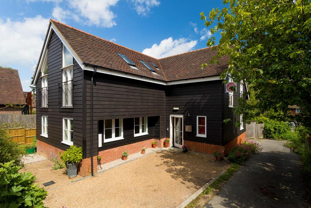 4 Bedrooms Detached House for sale in Old Road, Elham, Canterbury, CT4