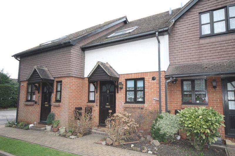 2 Bedrooms Terraced House for sale in GREAT BOOKHAM
