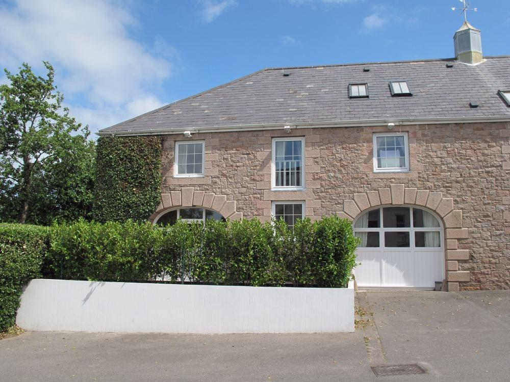 3 Bedrooms Mews House for sale in La Grande Route de St Martin, St Saviour, Jersey, JE2