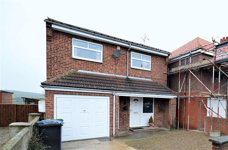 3 Bedrooms Detached House for sale in Love Lane, Whitby