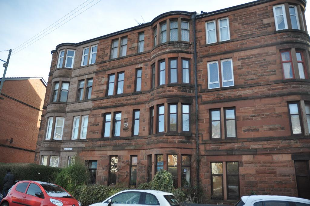 2 Bedrooms Flat for rent in Carmichael Place, Flat 3/2, Langside, Glasgow, G42 9SY