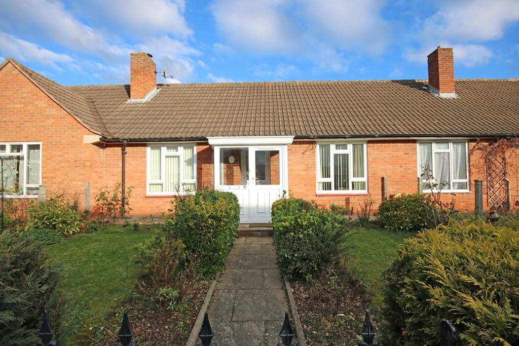 2 Bedrooms Semi Detached Bungalow for sale in Masefield Close, Ledbury, HR8