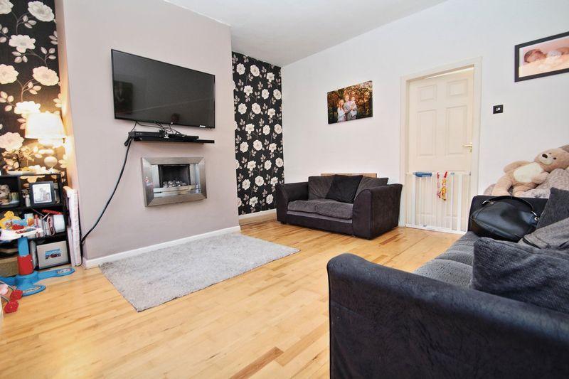 2 Bedrooms Terraced House for sale in Progress Street, Castleton OL11 3BH