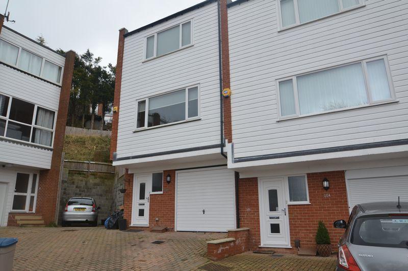 3 Bedrooms End Of Terrace House for rent in Merryhills Close, Biggin Hill Westerham
