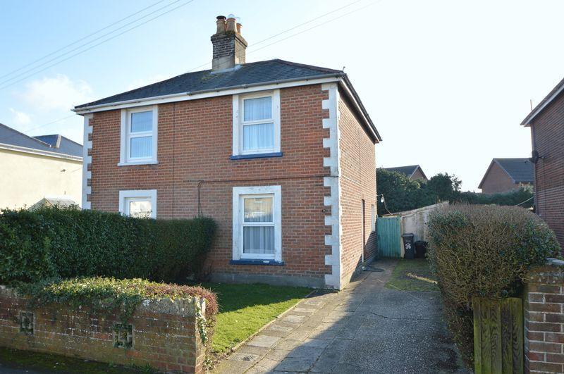 2 Bedrooms Semi Detached House for sale in ELMFIELD, RYDE