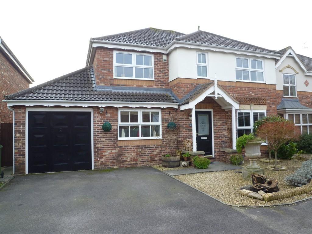 4 Bedrooms Detached House for sale in Hilperton, Trowbridge