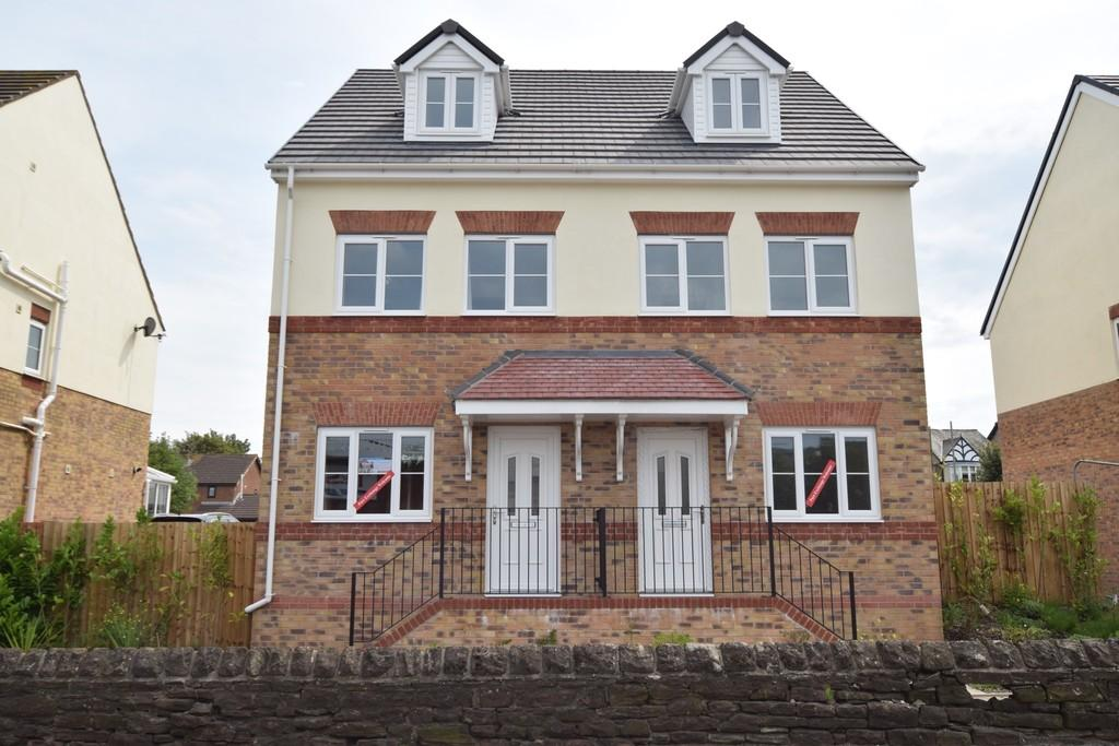 3 Bedrooms Semi Detached House for sale in BAMBURGH CLOSE,BARROW IN FURNESS LA13 0FB