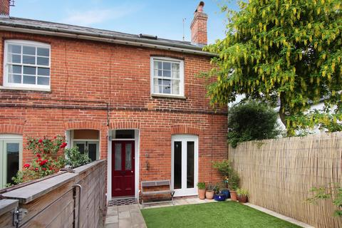 2 bedroom end of terrace house to rent - St Swithuns Terrace, Winchester, SO23