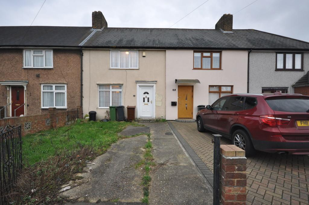 3 Bedrooms Terraced House for sale in Cornworthy Road, Dagenham