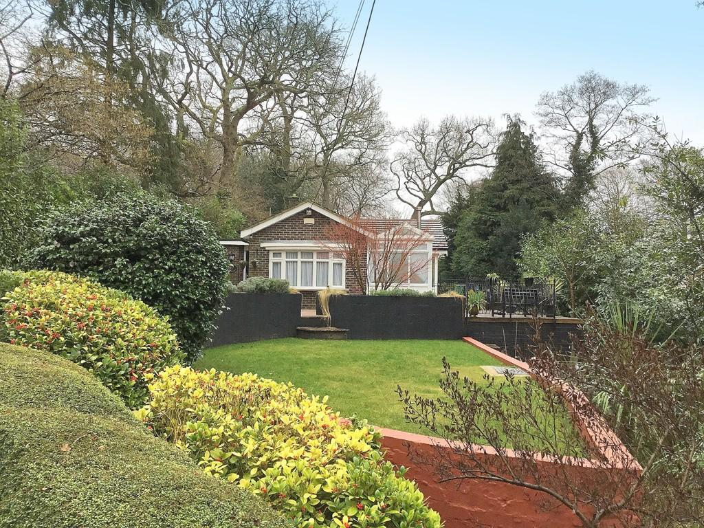 4 Bedrooms Detached House for sale in Wood Lane, Bournemouth