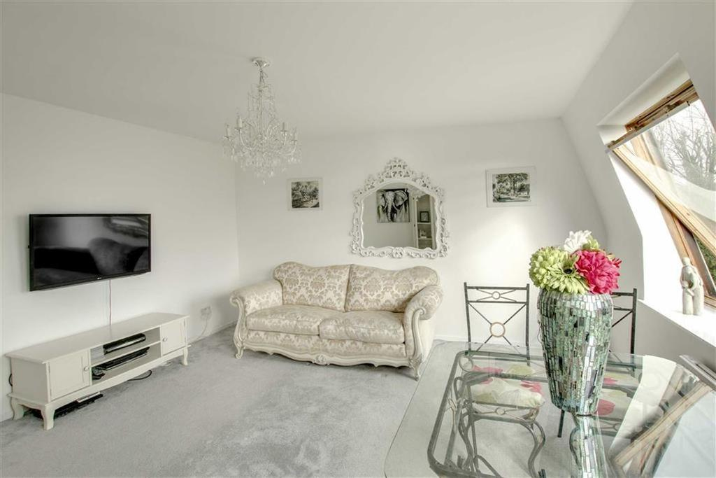 2 Bedrooms Flat for sale in Hurst Lane, Eastbourne