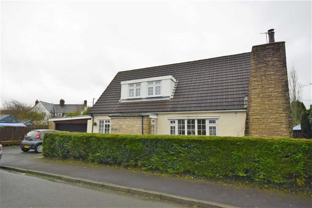 4 Bedrooms Detached Bungalow for sale in 5, Maesnewydd, Machynlleth, Powys, SY20