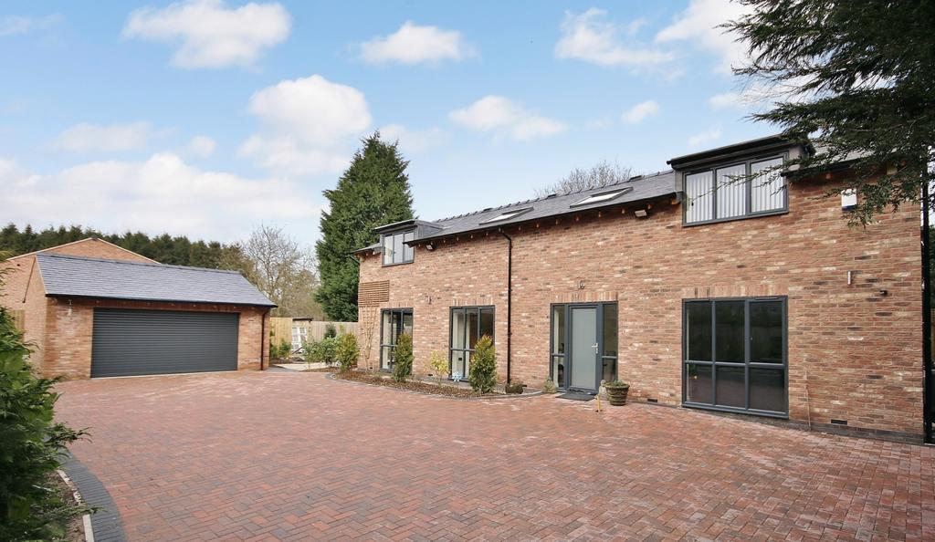 4 Bedrooms Detached House for sale in Strawberry Lane, Wilmslow