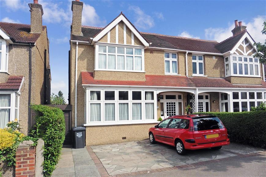 4 Bedrooms Semi Detached House for sale in King Edward Avenue, Dartford, Kent