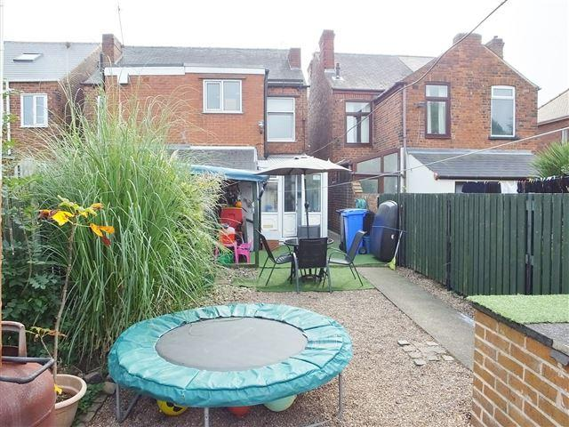 2 Bedrooms Semi Detached House for sale in Victoria Road, Beighton, S20 1BQ