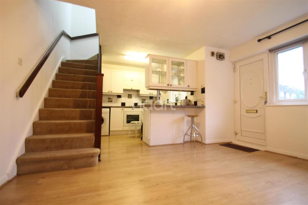 1 Bedroom End Of Terrace House for rent in Geneva Close TW17