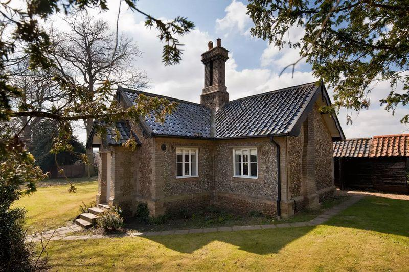 3 Bedrooms Detached House for sale in Idylic English Cottage in Norfolk