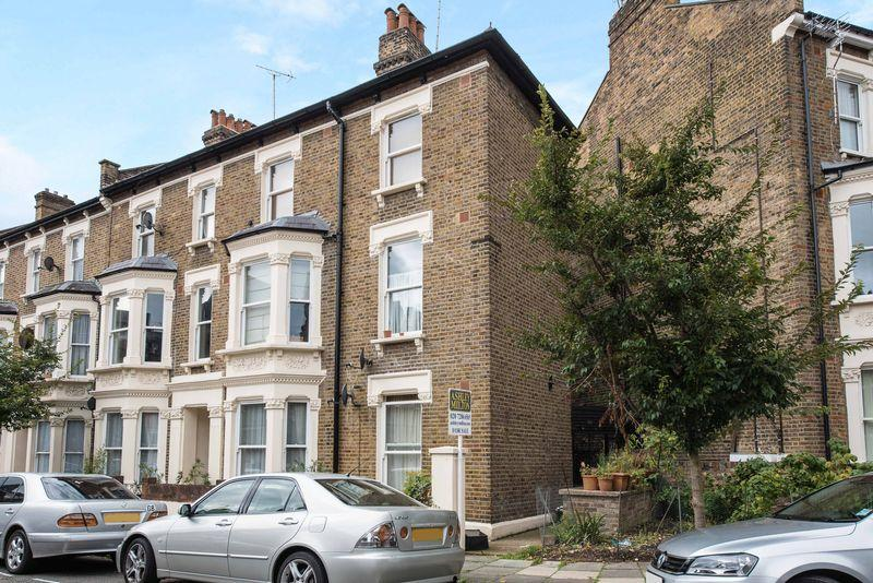 2 Bedrooms Apartment Flat for sale in Macroom Road, Maida Vale