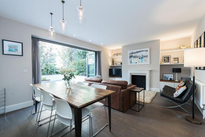 2 Bedrooms Apartment Flat for sale in Marylands Road, Maida Vale W9