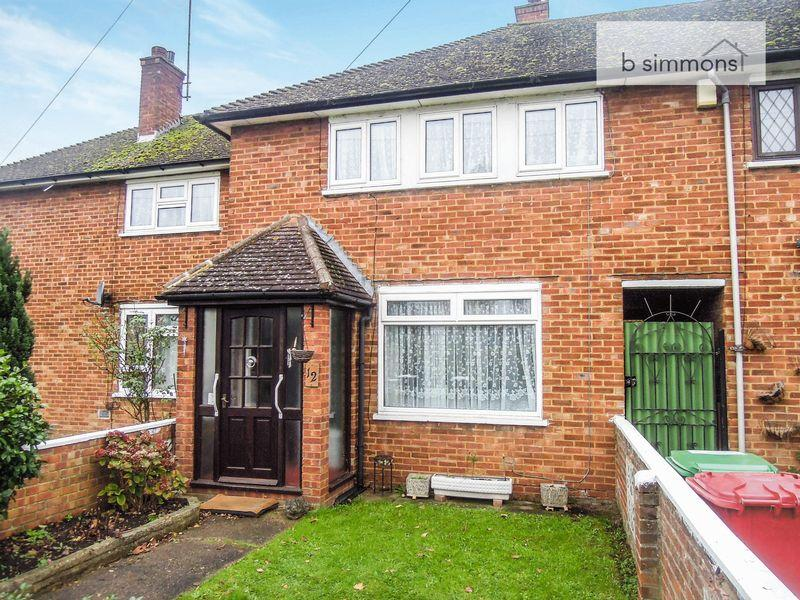 3 Bedrooms Terraced House for sale in Webb Close, Langley.