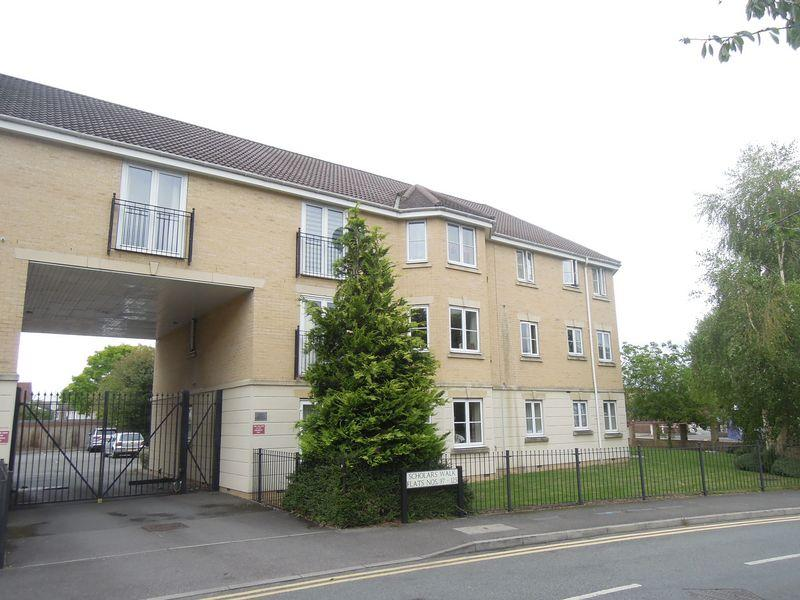 2 Bedrooms Apartment Flat for sale in Scholars Walk, Langley