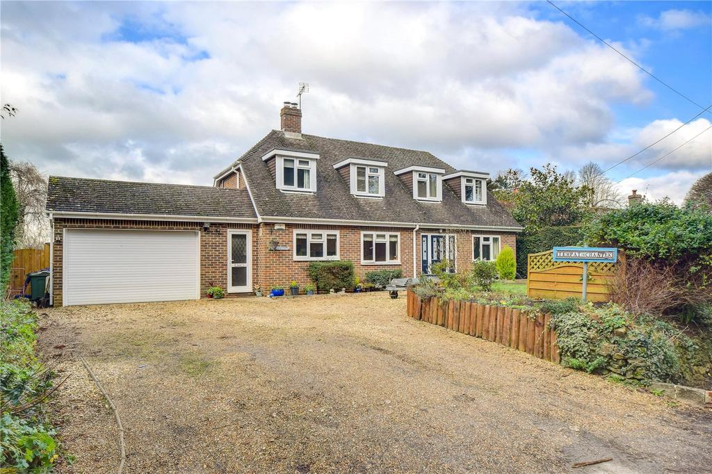 3 Bedrooms Detached Bungalow for sale in Rake Road, Liss, Hampshire