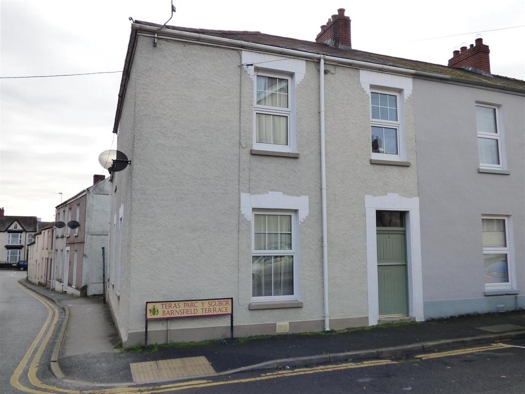 3 Bedrooms Semi Detached House for sale in Barnsfield Terrace, Carmarthen