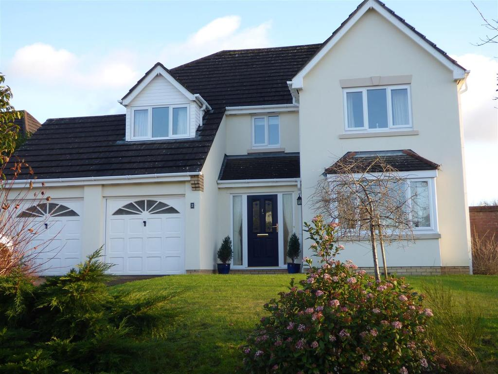 4 Bedrooms House for sale in Clos Yr Onnen, Abergwili, Carmarthen