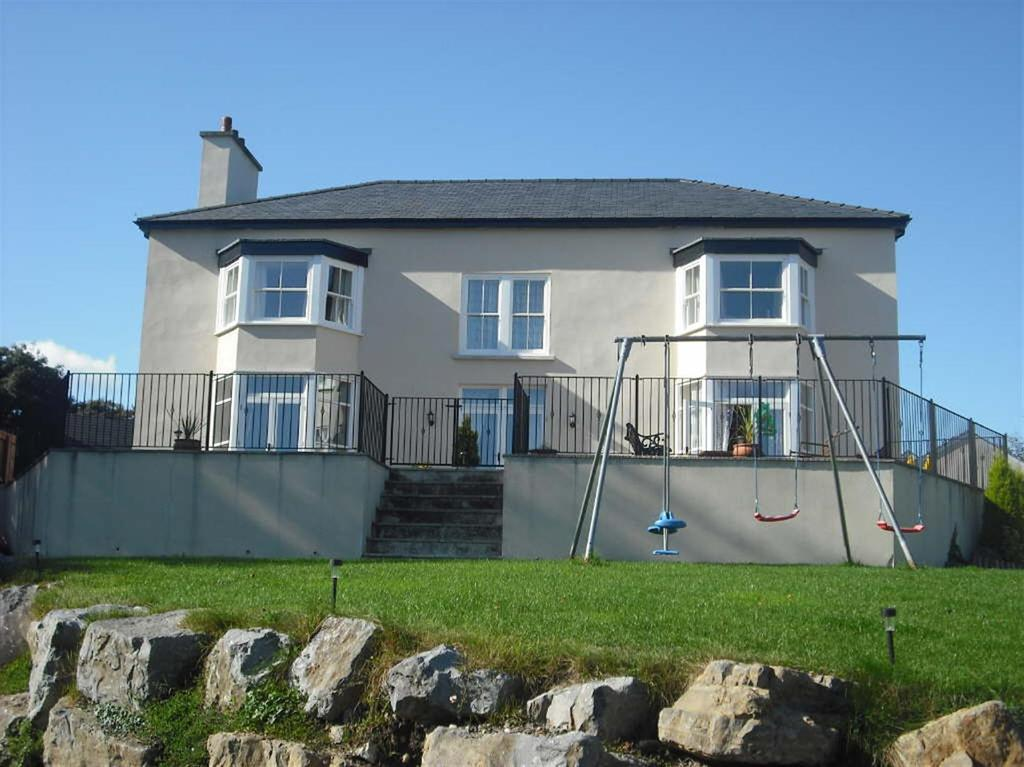6 Bedrooms Detached House for sale in Johnstown