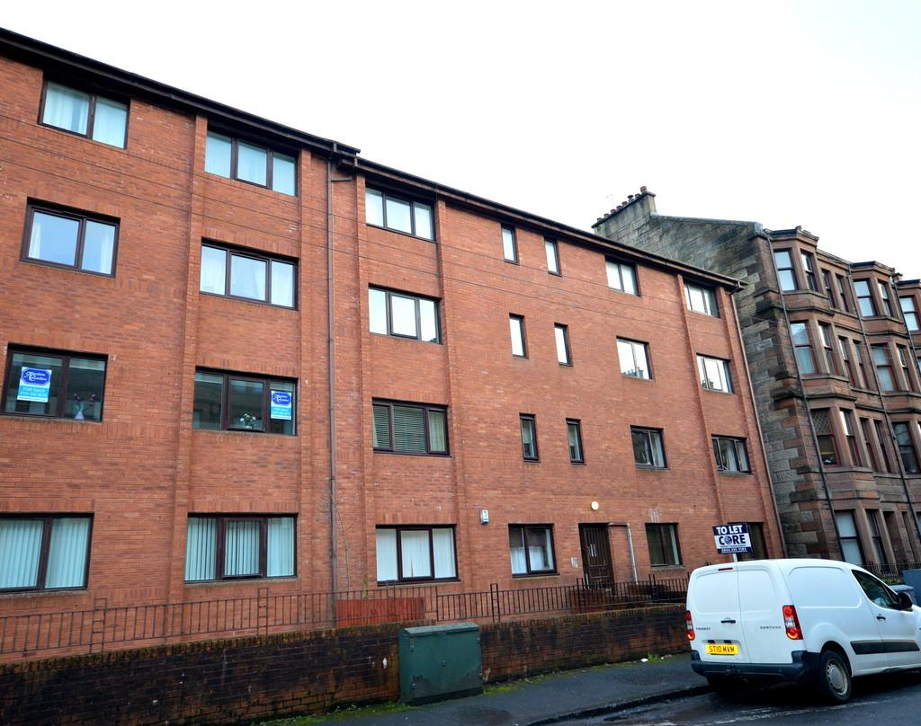 2 Bedrooms Apartment Flat for sale in Bouverie Street, Yoker G14 0PD