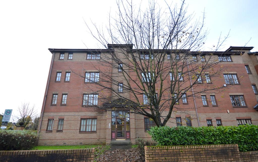 2 Bedrooms Ground Flat for sale in Dumbarton Road, Yoker G14 0PL