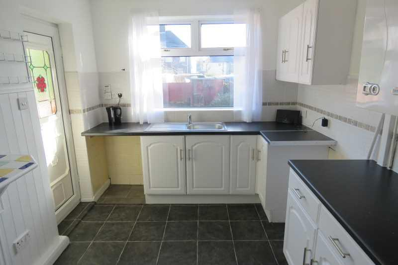 2 Bedrooms Semi Detached House for sale in Morgan Avenue, Southey Green, Sheffield, S5 8QH