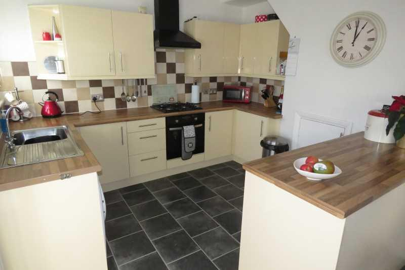 2 Bedrooms Semi Detached House for sale in Newlands Grove, Intake, Sheffield, S12 2FW