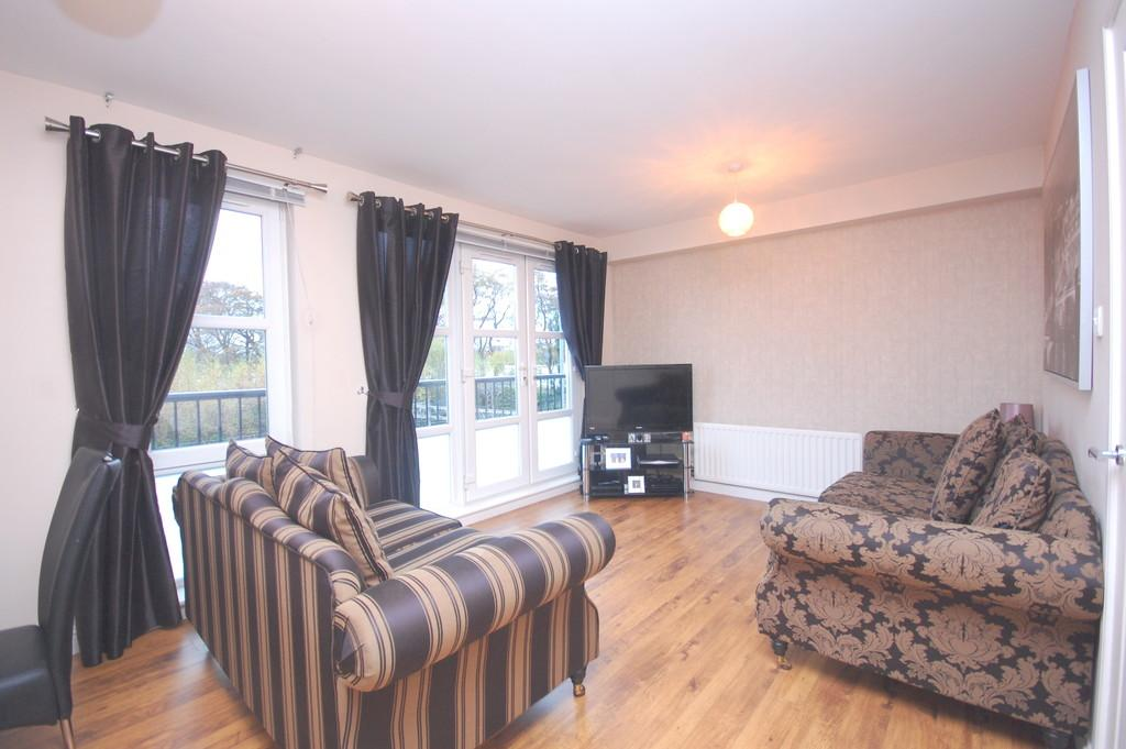 2 Bedrooms Flat for sale in Littlemill Place, Bowling G60 5BJ